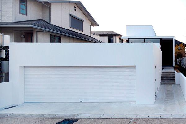 ガレージハウス|白い家|中庭のある家|デザイナーズハウス・注文建築・自由設計・建築家|アーキッシュギャラリー(東京・名古屋・大阪)Achish&Gallery