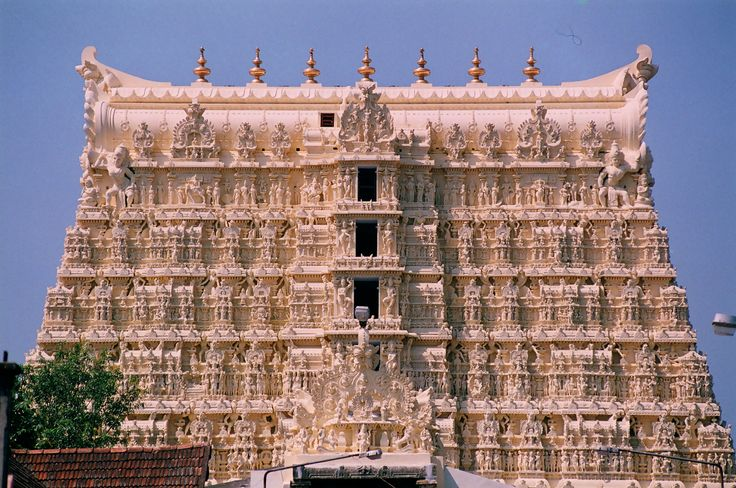 THE RICHEST TEMPLE IN THE WORLD-100000 CRORE WORTH GEMS AND GOLD-SREE PADHMANABHA SWAMY TEMPLE,THIRUVANANTHAPURAM,KERALA.