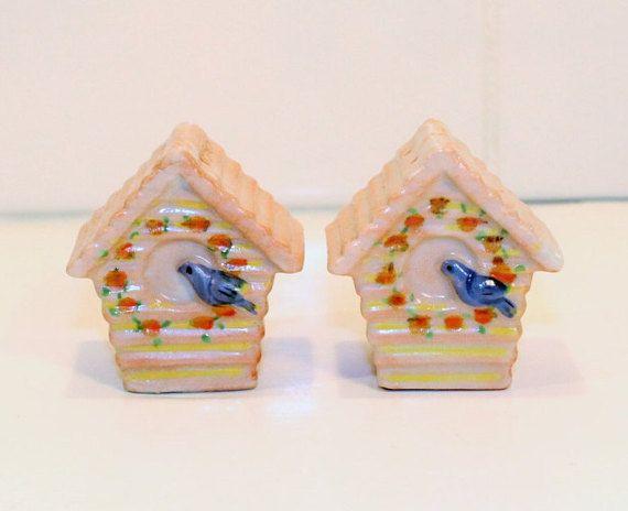 Bird House Shakers Salt and Pepper Shaker Bird by ClockworkRummage