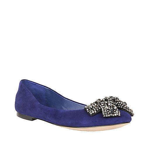 LOVE these shoes!!! I'm leaning towards flats so my clumsy ass wont trip and fall lol