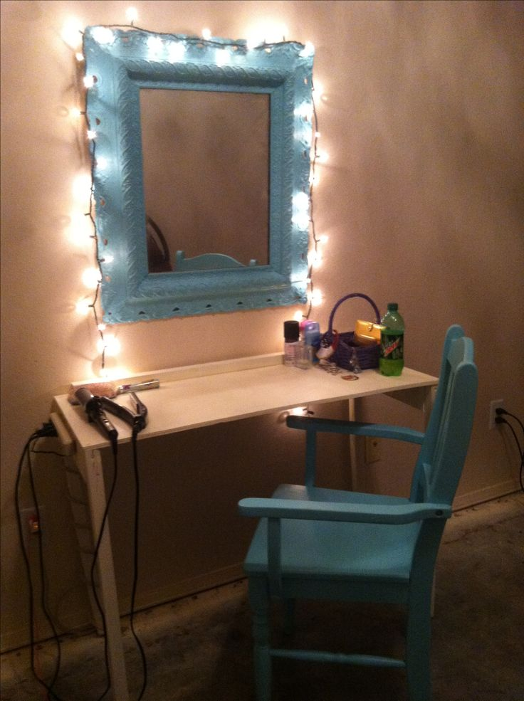 Diy Vanity And Make Up Station Took An Old Mirror And