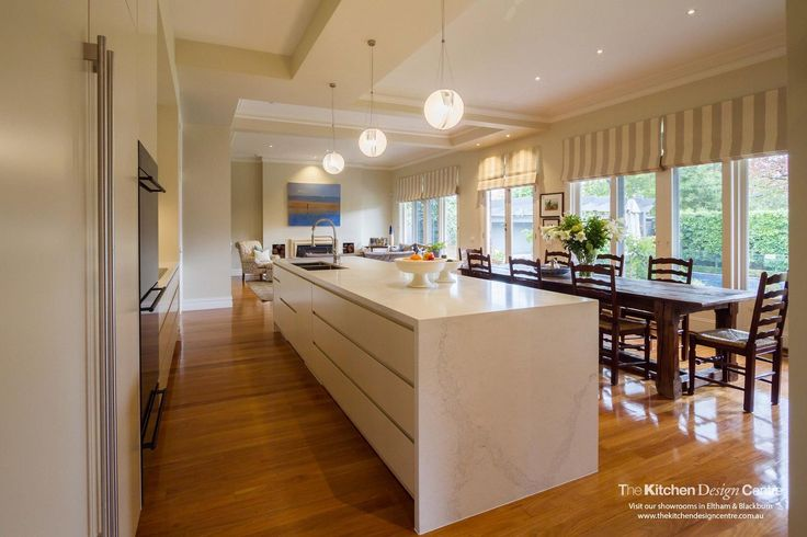 A charming, modern/traditional kitchen to meet all your needs. www.thekitchendesigncentre.com.au @thekitchen_designcentre