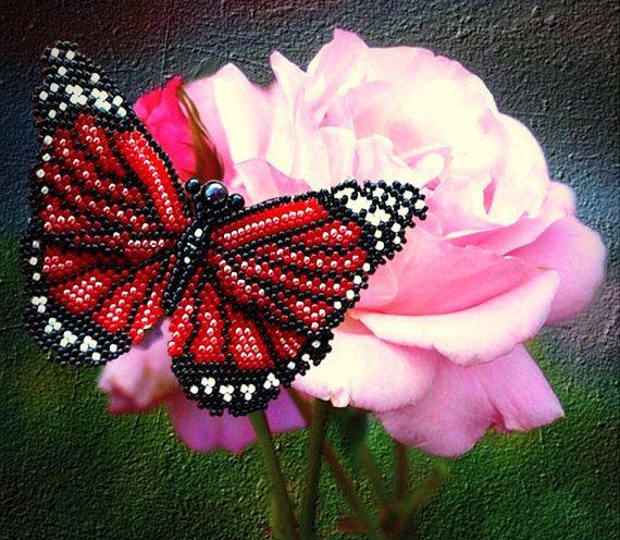 Patrón y tutorial con fotos de mariposa con cuentas - esquema de joyería artesanal - peyote y espiga mariposa