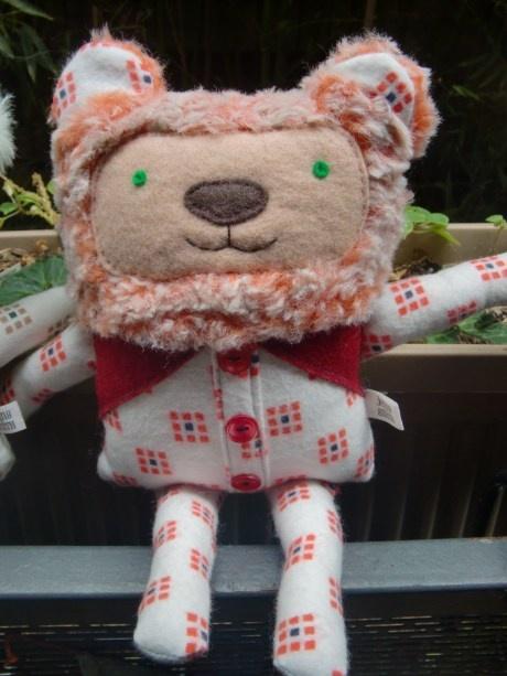 teddybearrepublic.wordpress.com  PLush artist JennySmithPlush Artists, Awesome Stuffed, Artists Jennysmith, Stuffed Animal