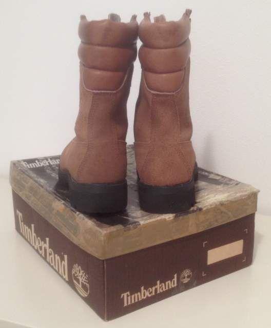 """Vendo #Timberland Super Boot """"40 Below"""" #vintage #anni80 da #Paninaro, #MadeInUSA, modello 10283 con suole #Vibram    Nuovi con scatola e sacchetto bianco originali, misura 9 MW corrispondente a un 43 EU e 8.5 UK    I boot Timberland dell'epoca dei #Paninari, vero #vintage #80s    #abbigliamento #casual #uomo #men #fashion #vtg"""