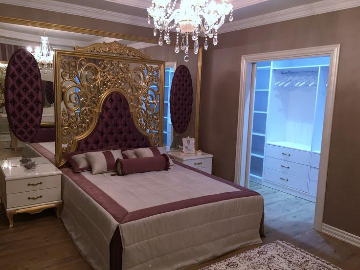 #klasik yatak odası #oymalı yatak başı # yatak odası dekorasyonu #şık #özel tasarım #avangart yatak odası dekorasyonu #ferah #rahat #alçıpan tavan modelleri #kartonpiyer #modern asma tavan modelleri #ışık bandı #avize modelleri #makyaj masası #soyunma odası #klasik #eflatun #lilla #etajer #aynalı yatak başı