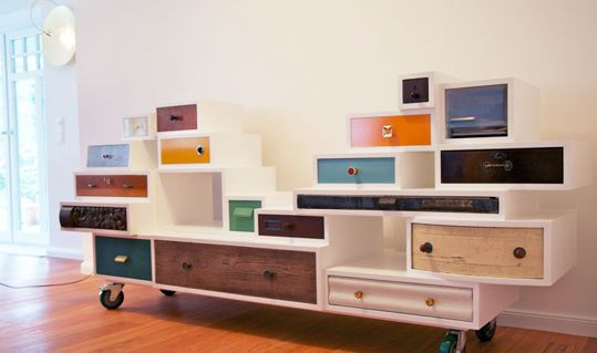 You know when you come across an image or project that just catches you by surprise and kinda hangs out in your mind not letting go of the possibilities it presents? Well, that's what happened to me when I read about the 1000 Orphan Drawer Project.
