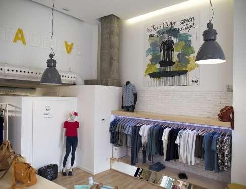 Firmas nicho de Escandinavia y zapatos españoles para una tienda de moda con música, libros y arte. ... - Copyright © 2016 Hearst Magazines, S.L.