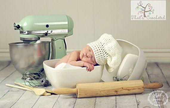 Newborn Chef Hat - Newborn photography prop, newborn boy hat, newborn girl hat, crochet white hat
