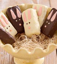 Rice Krispie Treat Bunnies: Easter Spr, Rice Krispies, Easter Bunnies, Easter Baskets, Easter Treats, Popsicle Sticks, Bunnies Pop, Rice Krispie Treats, Cereal Bar