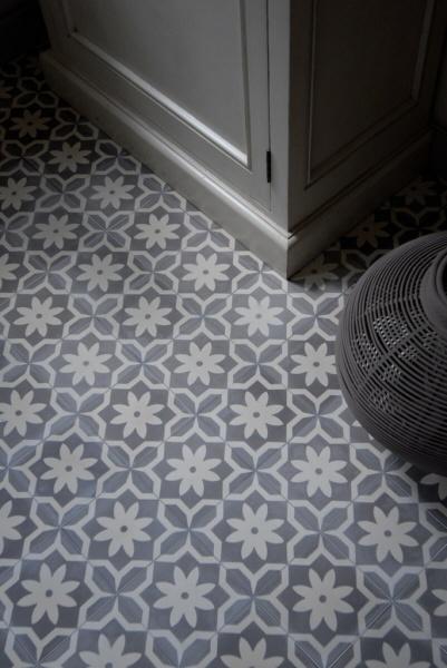 Castelo tegels voor een gezellige badkamer of gang badkamer bathroom salle - Tegels van cement saint maclou ...