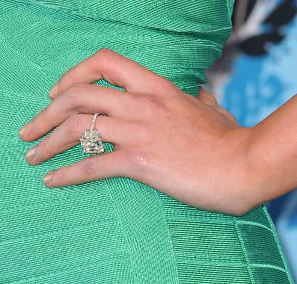 Hilary Duff Engagement Ring wow so pretty