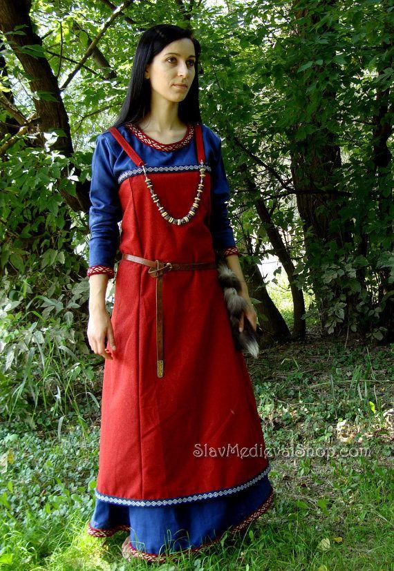 Scandinavian Apron Dress made of wool Early by SlavMedievalShop                                                                                                                                                     Más