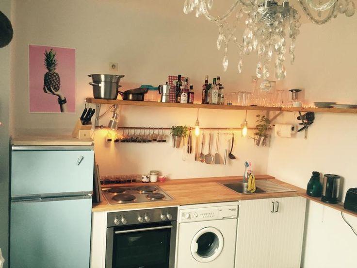 Süße Küchenzeile in schöner Altbauwohnung. Ein…