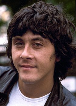 Richard Beckinsale...I used to love watching him in Porridge re-runs...died too young:(