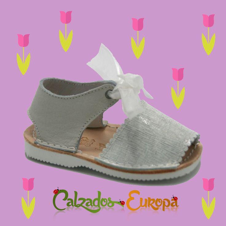 Preciosa Menorquina bebé charol 💗 Disponibles en nuestra tienda online desde la talla 18