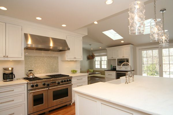 Love big bright kitchens - can't wait for the next home :) Good article here on new upcoming kitchen design ideas