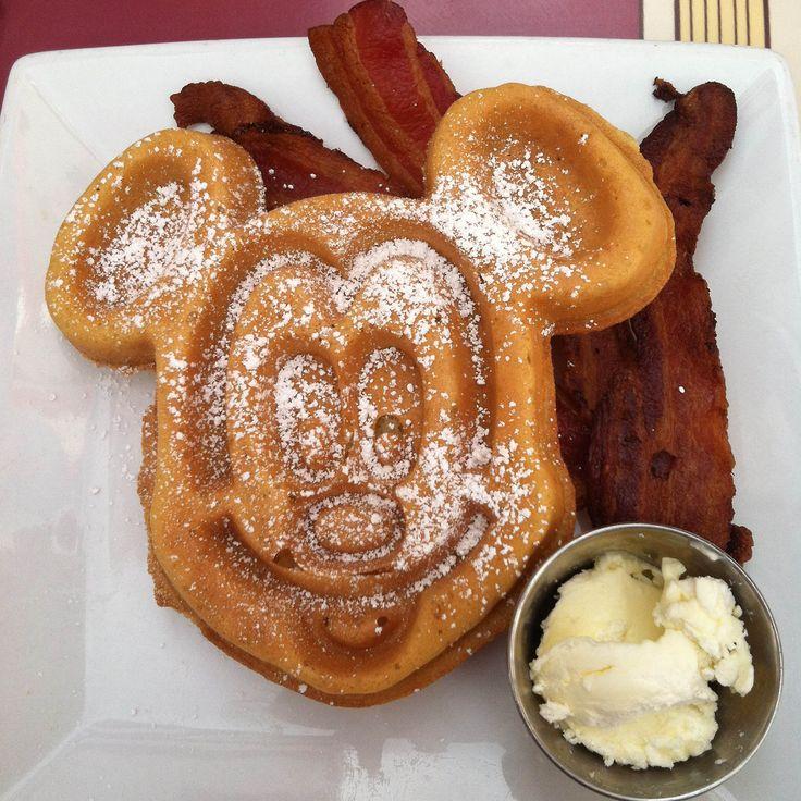 Breakfast at Carnation Cafe #Disneyland #Food