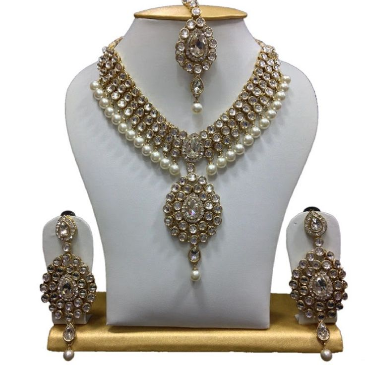 Bollywood Wedding Wear Kundan White Pearls Indian Women Jewelry Set #natural_gems15 #GoldPlated