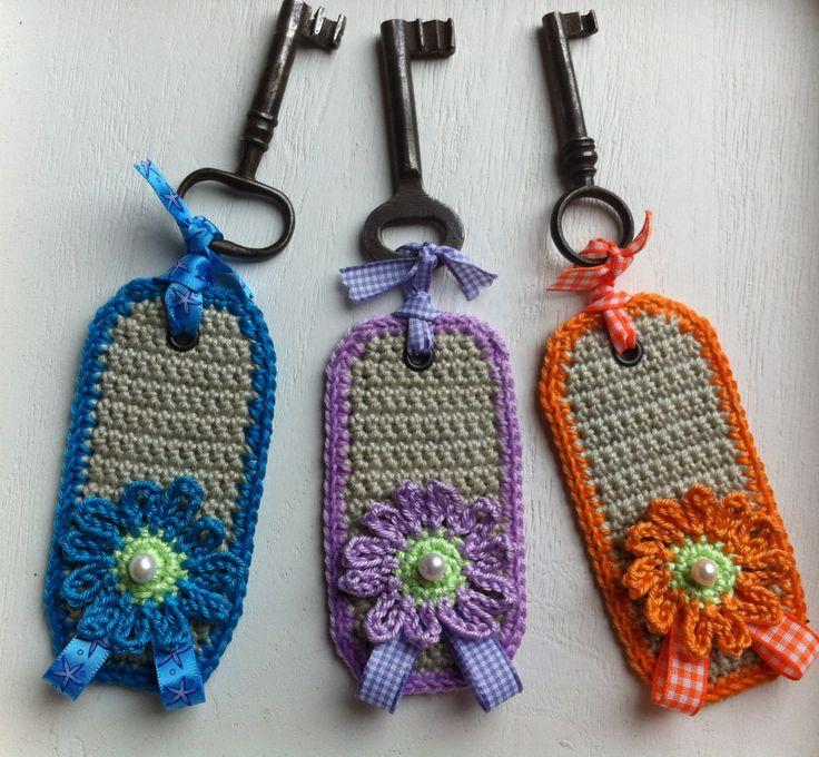 Lovely Labels pattern  - http://www.handmadedivas.nl/2013/04/17/lovely-labels/