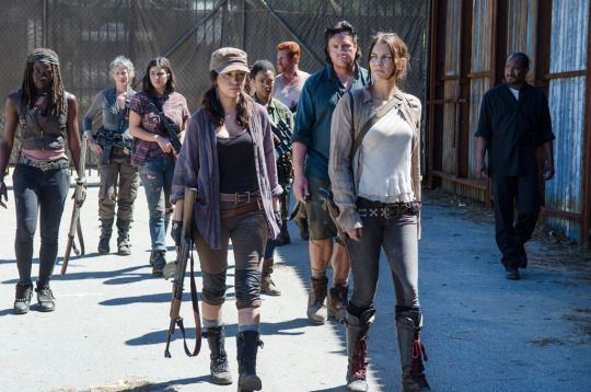 'The Walking Dead' Midseason Finale: Will These Questions Get Answers or Cliffhangers?