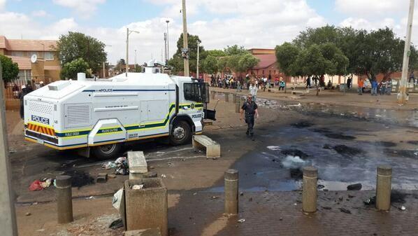 #Bekkersdal protests | Bekkersdal at a complete standstill today. Chaos erupts after 20 year old protestor is shot and killed @SABC News Photo: Molebogeng Sebidi @Moleboo