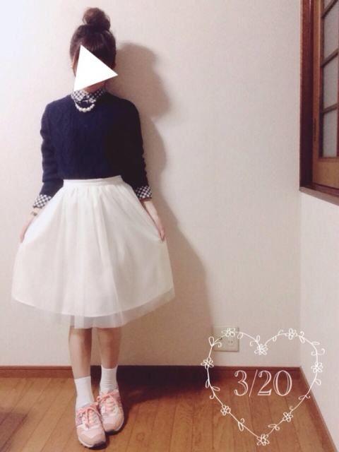 3/20(日)♡coordinate٩( 'ω' )و   ギンガムチェックシャツに ネイビーのニット合わせました♪  白チュールスカートや淡い色のNBで 春っぽく(✿´ ꒳ ` )  久しぶりに、お団子へあー♡   いつもgood、watch ありがとうございます    シャツ…イーハイフン ニット…イーハイフン スカート…INGNI スニーカー…New Balance