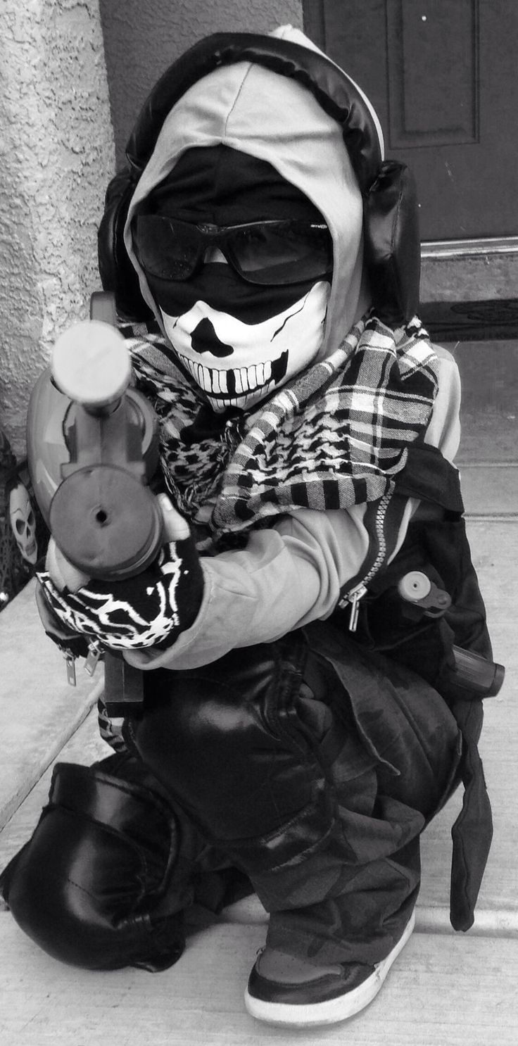 Call of Duty Ghosts (costume with added accessories) kids
