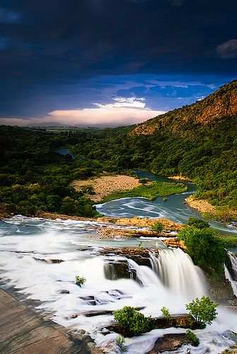 Hartbeespoort Dam, South Africa... Swiss-American Pizza on your way back to Joburg, be still my heart