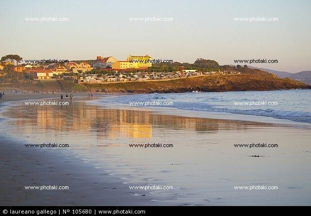 http://www.photaki.com/picture-panoramic-beach-at-sunset-sanxenxo-pontevedra_105680.htm