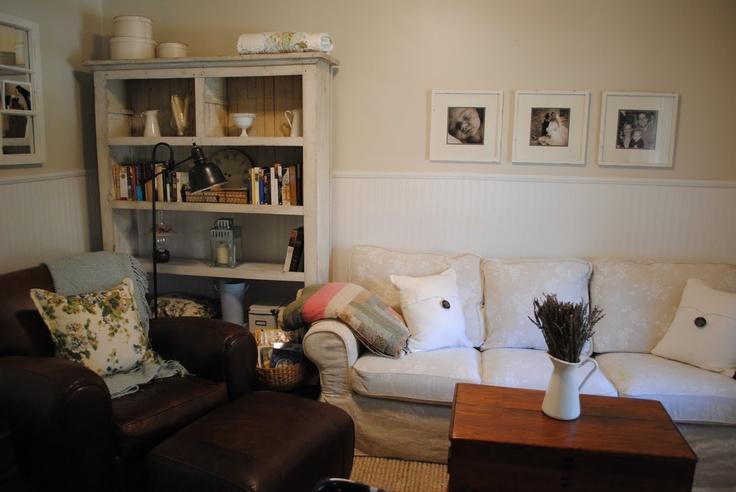 Lounge room @ Canadian cottage