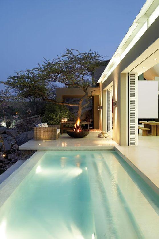A casa fica em Windhoek, capital da Namíbia e pertence ao arquiteto Leon Barnard.