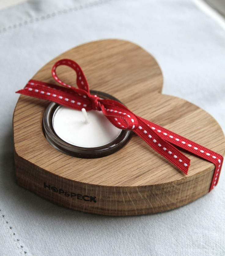 Share the love this Christmas with a lovely little Hop & Peck tea light holder...