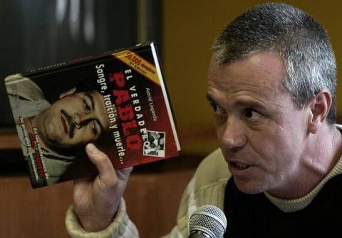 Jhon Jairo Velasquez, ex sicario de Pablo Escobar, contó su sangrienta historia en dos libros. La cadena Caracol filma una serie sobre 'Sobreviviendo a Pablo Escobar: Popeye el Sicario', que transmitirá Netflix.