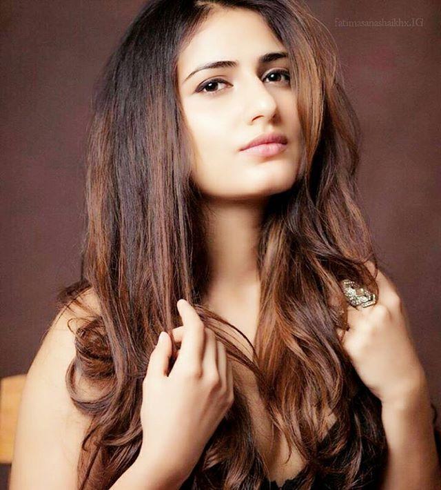 Fatima Sana Sheikh  B E A U T I F U L ❤] - - 3 Days left !! ✨ @fatimasanashaikh #FatimaSanaShaikh #Dangal #Bollywood #HappyBirthdayFatimaSanaShaikh #HappyBirthdayFatima #HBDFatimaSanaShaikh