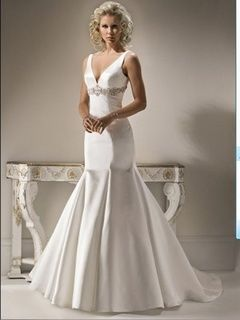 2014 Style Trumpet / Mermaid V-neck Bowknot Sleeveless Sweep / Brush Train Satin Wedding Dresses For Brides