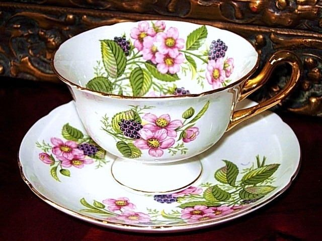 "Sooo wish I could afford this set... SHELLEY England ""BRAMBLE BERRY FRUIT"" Tea Cup and Saucer"