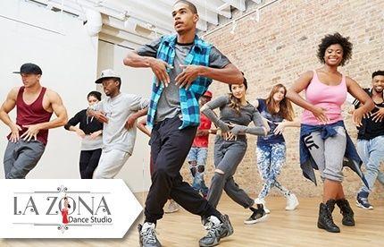 Las danzas orientales se han bailado y han cautivado al público a través de los años dejando a los hombres encantados por los movimientos especiales que esta ofrece, eso es si lo vemos por un lado, por el otro, es una muy buena forma de ejercitarte. A la vez, a parte de la danza oriental, se impartiran distintos tipos de estilos de bailes.   Aprovecha esta oferta de 1 Mes de clases a elegir entre: Belly Dance, Ballet (Para adultas y niñas de 3 años en adelante), Hip Hop, Ritmos tropicales…
