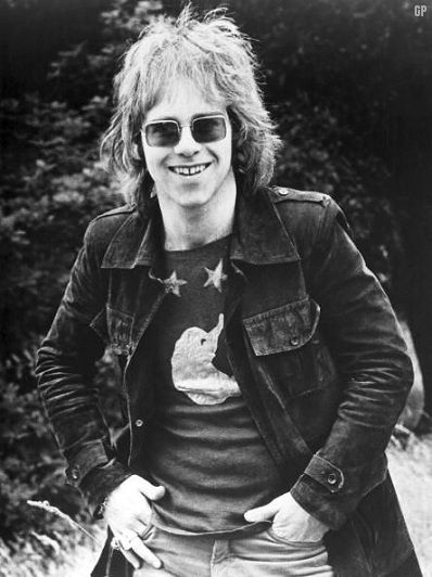 This was the Elton John that i fell in love with in the 70's!  Yeah, he still does it for me!