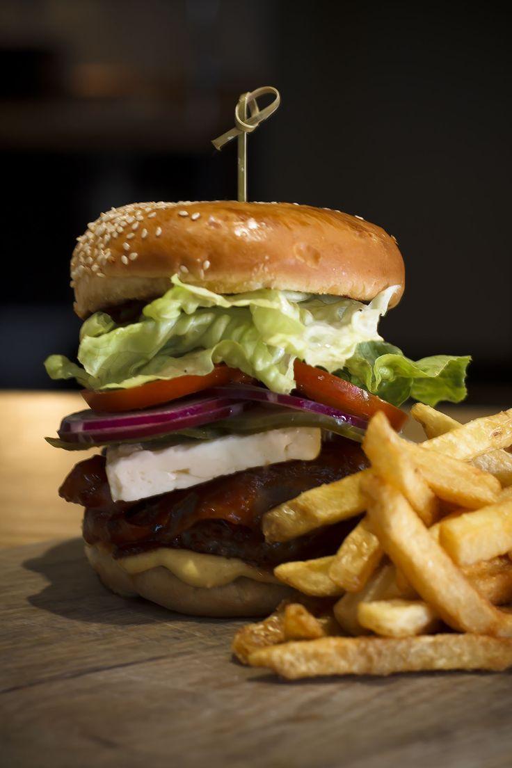 New burger at Peddlars & Co.