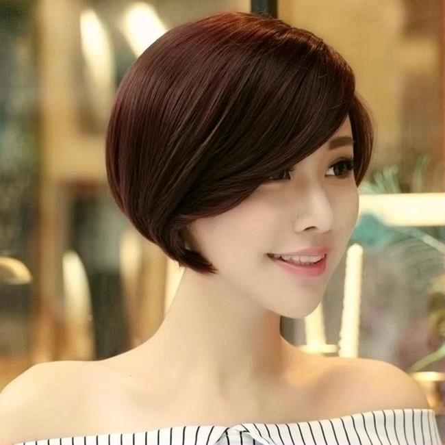 Mẫu tóc ngắn, xoăn ngắn sang trọng trẻ trung dành cho phụ nữ ngoài 40. Phái đẹp luôn mong muốn lúc nào cũng có được vẻ ngoài quyến rũ, thanh lịch hoàn hảo trong bất cứ hoàn cảnh nào. Ngoài việc trang điểm, chuẩn bị quần áo thì phái đẹp còn cần quan tâm đến …