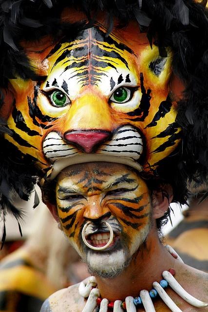 Carnaval de Barranquilla - Indio Africano by jairo Castilla, via Flickr