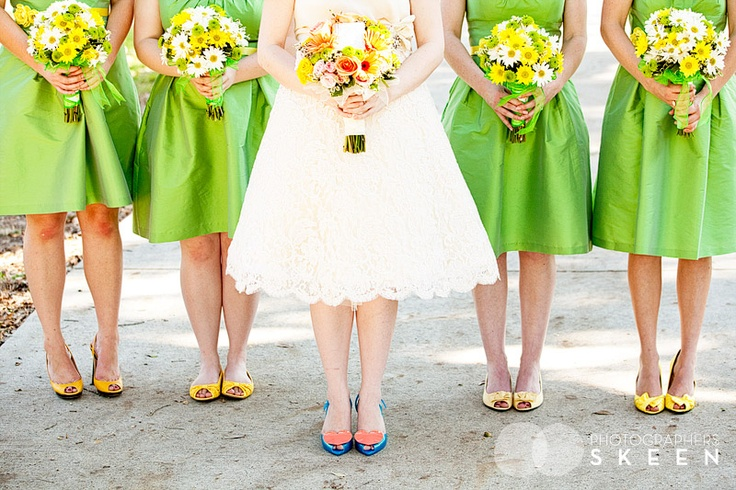 The final result of the shoes! I loved it!!: Canary Yellow, Bridesmaid Flowers, Dreams, Green Bridesmaid, Events Inspiration, Yellow Bridesmaids, Finals Results, Green Weddings, Yellow Green Wedding