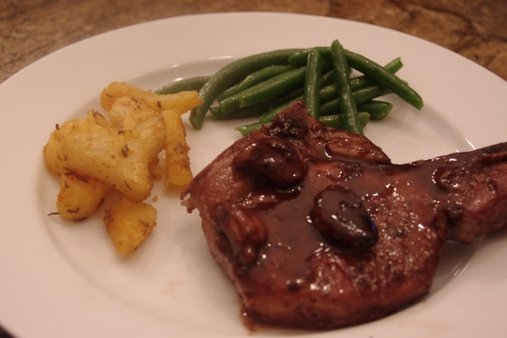 Pork Chops with Wine and lots of Garlic"