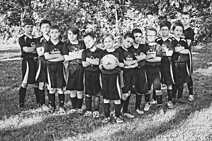 Youth U10 soccer team picture ideas - Katie Howell Photography