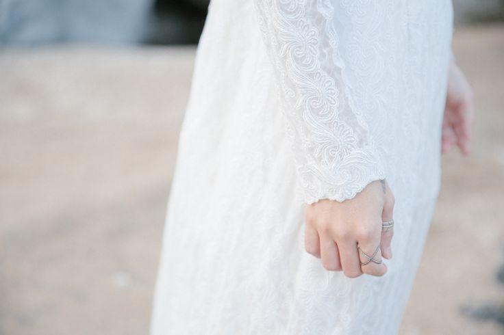 vintage wedding dress | ชุดเจ้าสาว วินเทจ ผ้าลูกไม้ นำเข้า ยุค 1950,1960,1970's ใน คอนเซปต์ หิน & สายลม sodazzling.com