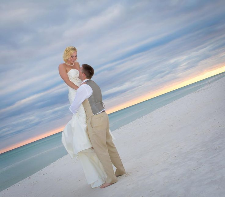 Bride And Groom Must Have Beach Wedding Photo Shots