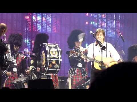 Published on Nov 29, 2012 by Dana Koch  Paul McCartney Edmonton 1st Night - Mull of Kintyre.mov - with the Edmonton Police Pipe Band. Well done boys.
