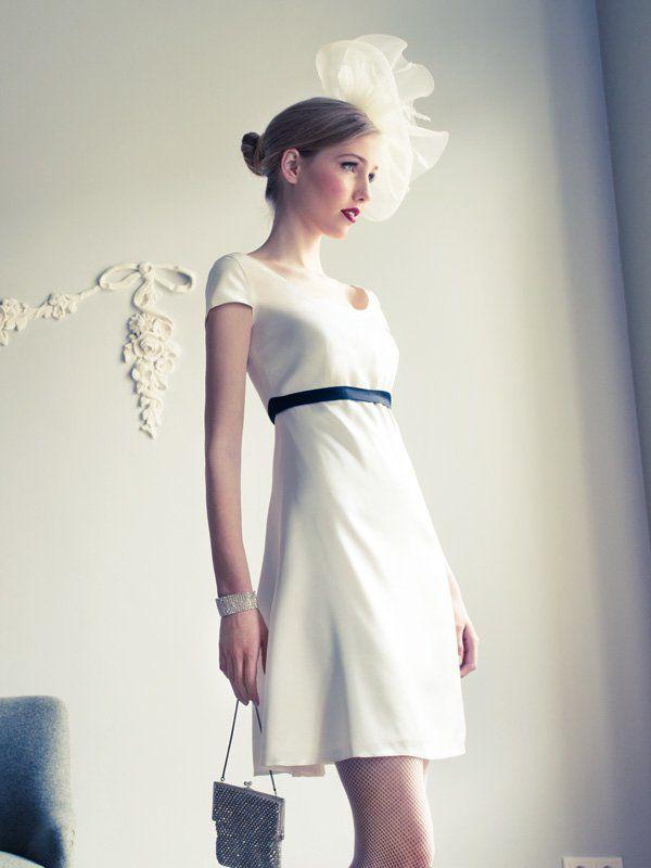 """Ab hier findet ihr Hochzeitskleid-Inspirationen aus den letzten Jahren:Schlicht und elegant: Das Hochzeitskleid """"Lulu"""" stammt von dem Frankfurter Modelabel Coco Lores (um 700 Euro) - und garantiert euch einen stilvollen, aber auch individuellen Auftritt an eurem großen Tag."""