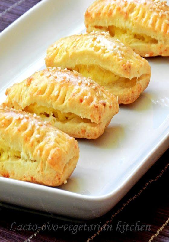 Lacto-ovo-vegetarian kitchen: Pateuri cu branza